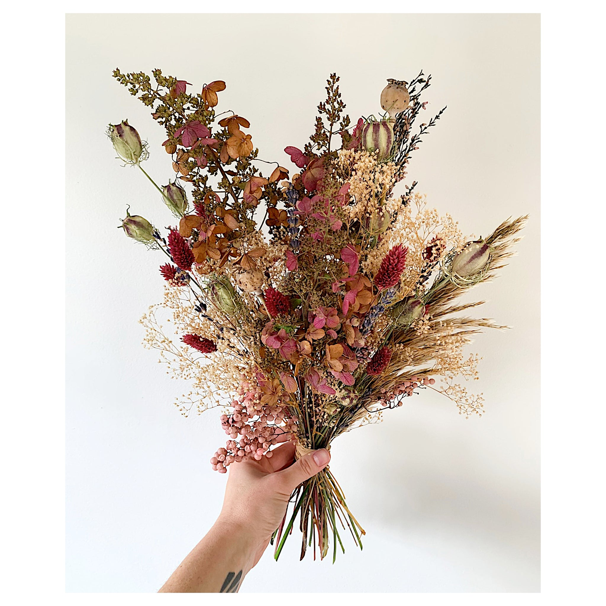DRIED HYDRANGEA FOREVER BOUQUET