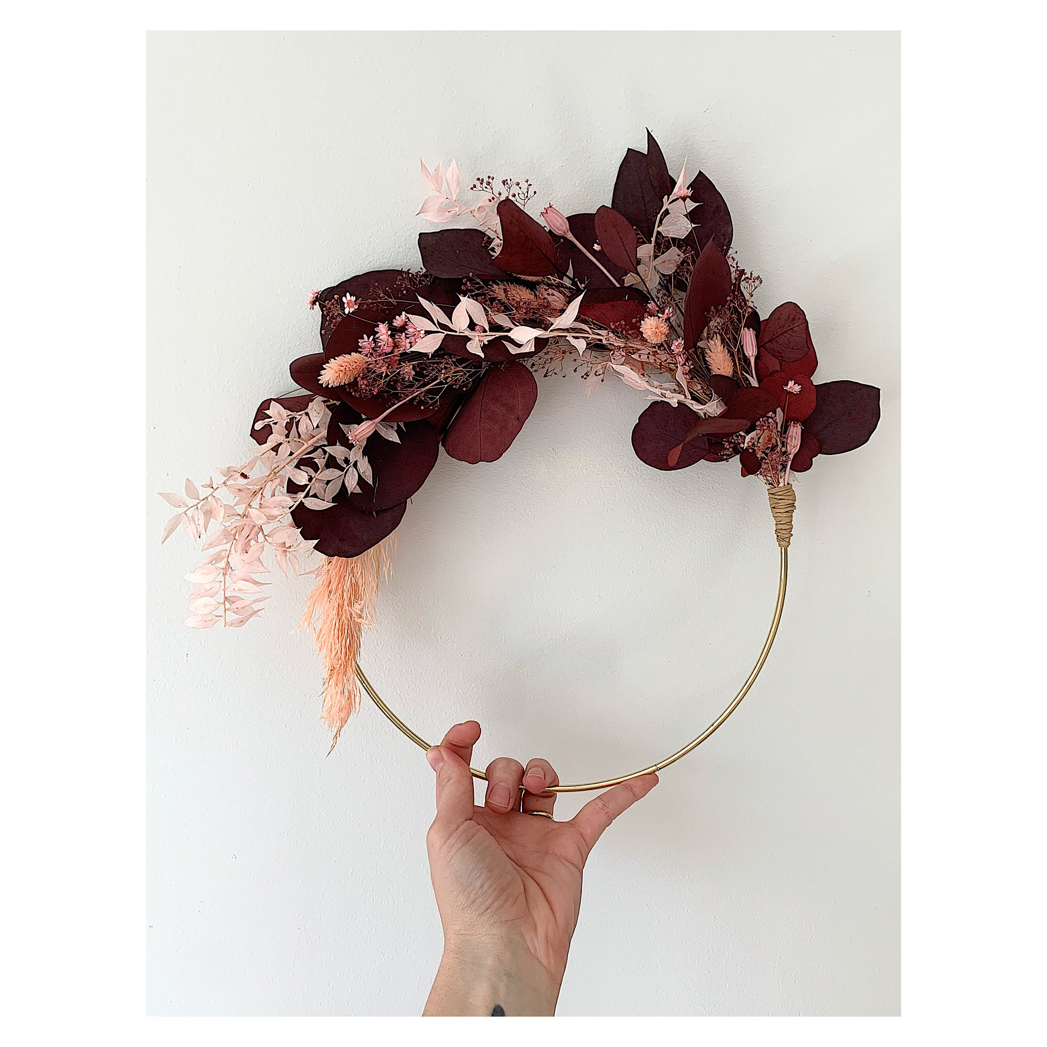 DRIED FLORAL BRASS WREATH