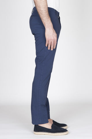 Strategic Business Unit - 00738 - Pantaloni Chino Regular Fit Classici In Cotone Stretch Blue - Classic Regular Fit Chino Pants In Blue Stretch Cotton - ブルーストレッチコットンのクラシックなレギュラーフィットのチノパンツ