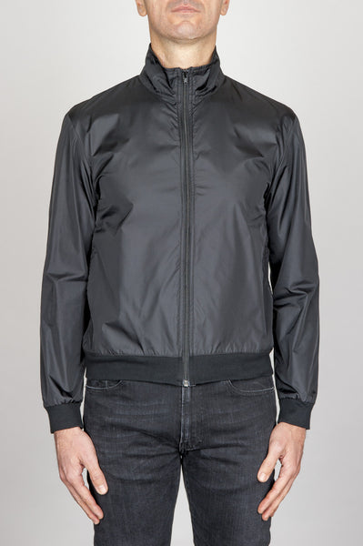 Strategic Business Unit - 00745 - Giubbino Windbreaker Antivento In Nylon Ultra Leggero Nero - Windbreaker Jacket In Black Ultra Lightweight Nylon - 超軽量ナイロンのウインドブレーカージャケット