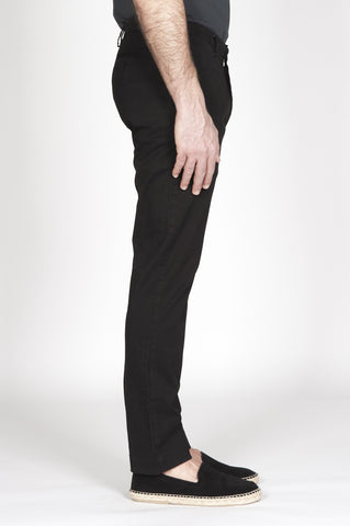 Strategic Business Unit - 00322 - Pantaloni Chino Classici In Cotone Stretch Nero Regular Fit - Classic Regular Fit Chino Pants In Black Stretch Cotton - 黒のストレッチコットンで古典的なレギュラーフィットチノパン