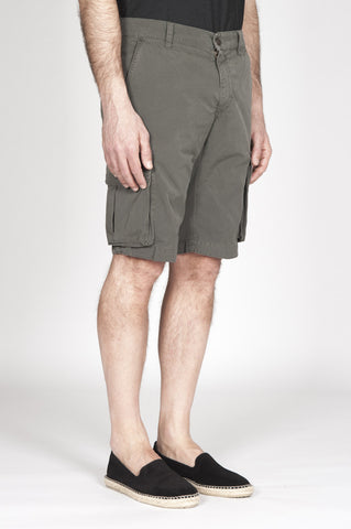 Strategic Business Unit - 00343 - Bermuda Cargo Shorts Classici In Cotone Verde Militare - Classic Regular Fit Cargo Shorts In Military Green Cotton - ミリタリーグリーン綿で古典的なレギュラーフィットカーゴショーツ