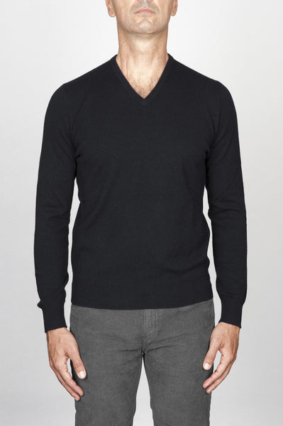 Strategic Business Unit - 00457 - Maglia Classica Scollo V In Puro Cachemire Nera - Classic V-Neck Sweater In Black Cashmere - 黒のカシミヤでクラシックなVネックのセーター