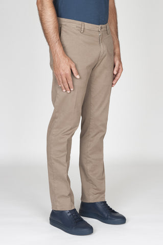 Strategic Business Unit - 00476 - Pantaloni Chino Regular Fit Classici In Cotone Stretch Beige - Classic Regular Fit Chino Pants In Pale Brown Stretch Cotton - 淡褐色ストレッチコットンで古典的なレギュラーフィットチノパン