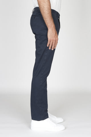 Strategic Business Unit - 00477 - Pantaloni Chino Regular Fit Classici In Cotone Stretch Blue Navy - Classic Regular Fit Chino Pants In Blue Navy Stretch Cotton - ネイビーブルーのストレッチコットンで古典的なレギュラーフィットチノパン