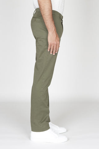 Strategic Business Unit - 00482 - Pantaloni Chino Regular Fit Classici In Cotone Stretch Verde - Classic Regular Fit Chino Pants In Green Stretch Cotton - 緑のストレッチコットンで古典的なレギュラーフィットチノパン