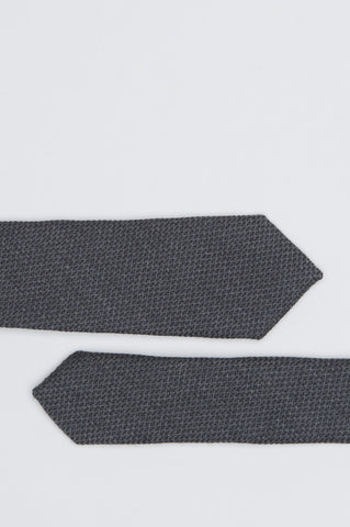 Strategic Business Unit - 00577 - Cravatta Classica Skinny In Lana E Seta Grigia - Classic Skinny Pointed Tie In Grey Wool And Silk - グレーのウールとシルクで古典的なスキニー尖ったネクタイ