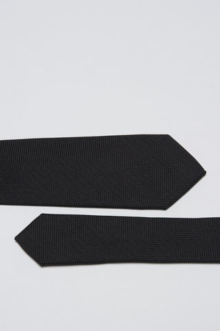 Strategic Business Unit - 00154 - Cravatta Skinny A Punta In Maglia Di Seta Nera - Skinny Pointed Tie In Black Silk Knit - ブルーシルクスキニー尖ったネクタイ