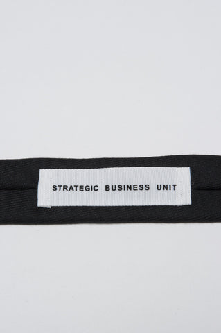 Strategic Business Unit - 00156 - Cravatta Skinny A Punta In Lana Tasmania Nera - Skinny Pointed Tie In Black Tasmanian Wool - 黒タスマニアウールスキニー尖ったネクタイ