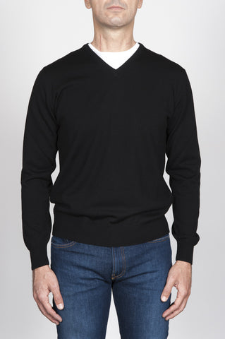 Strategic Business Unit - 00012 - Pullover Classico Nero In Lana Merino Scollo A V - Classic V-Neck Sweater In Black Merino Wool - ブラックメリノウールクラシックVネックセーター