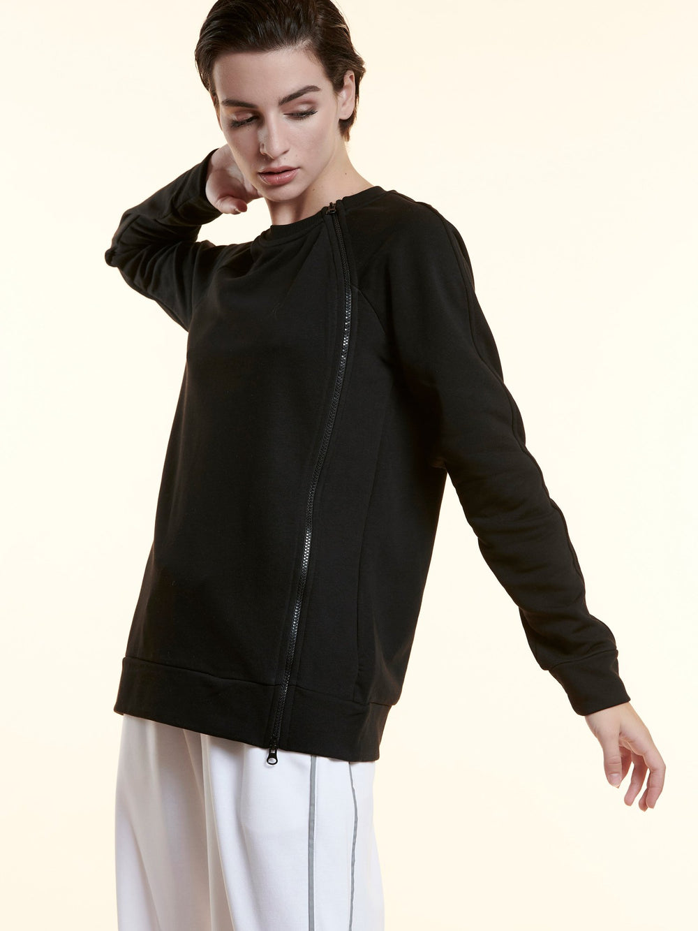 BAYA - Sporty Zipper Sweater - Black BY0034-BLK-OS-F