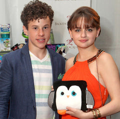 Nolan Gould and Joey King