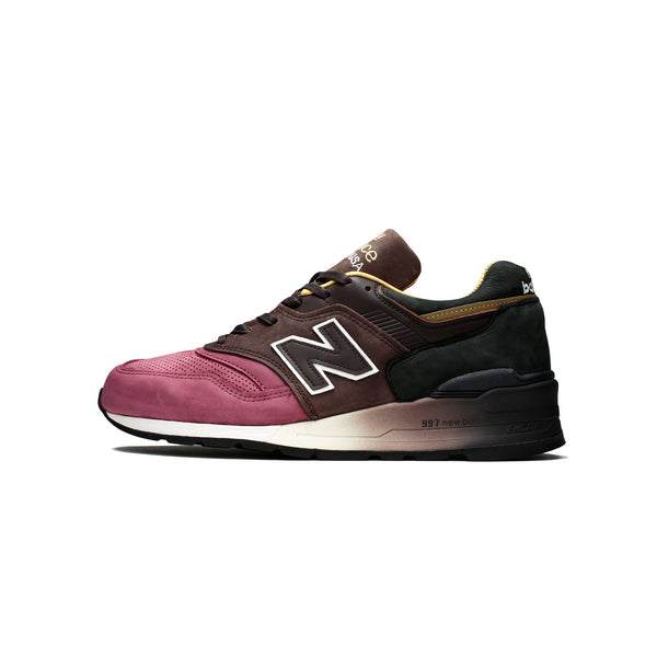 "New Balance Men's 997 ""Home plate"" [M997DWB]"
