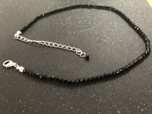 Black Beads Short Necklace