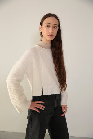 PANEL SWEATER - CLOUD W/ CONTRAST NECKLINE
