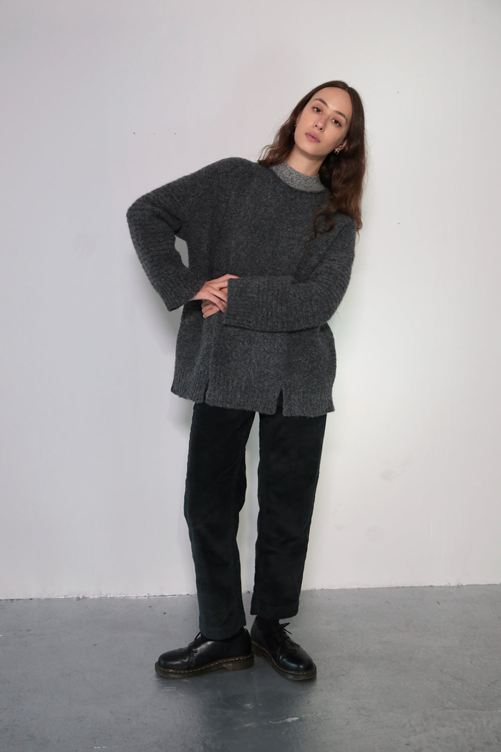 LONG PANEL SWEATER - PEPPER W/ CONTRAST NECKLINE
