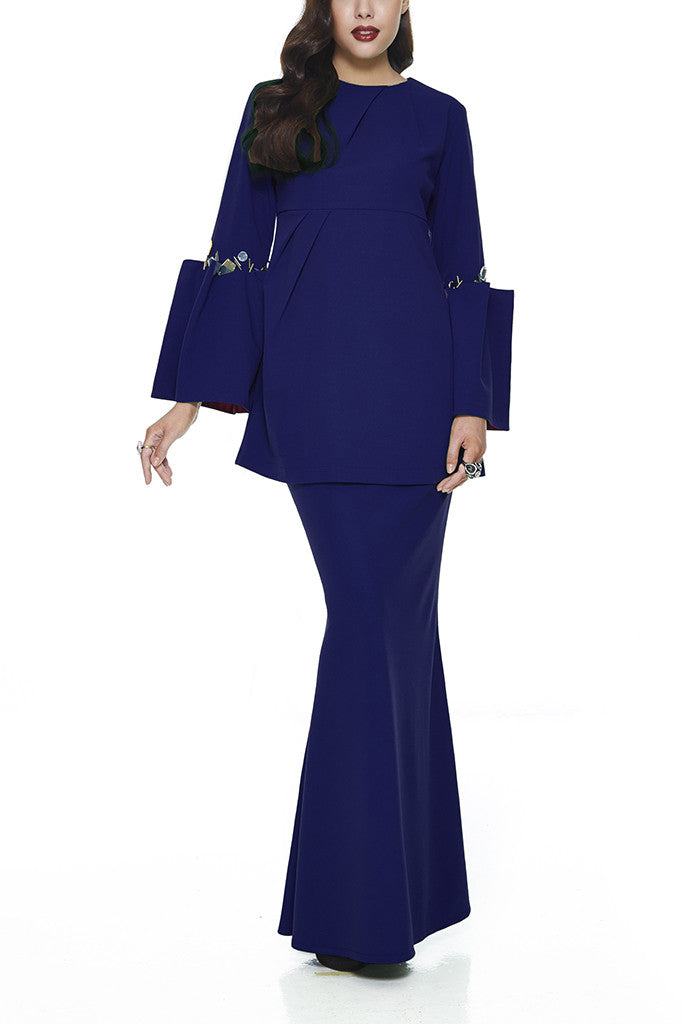 BLUE KESUM - MODERN EMPIRE CUT WITH PLEATED BELL SLEEVES BAJU KURUNG (NAVY BLUE)
