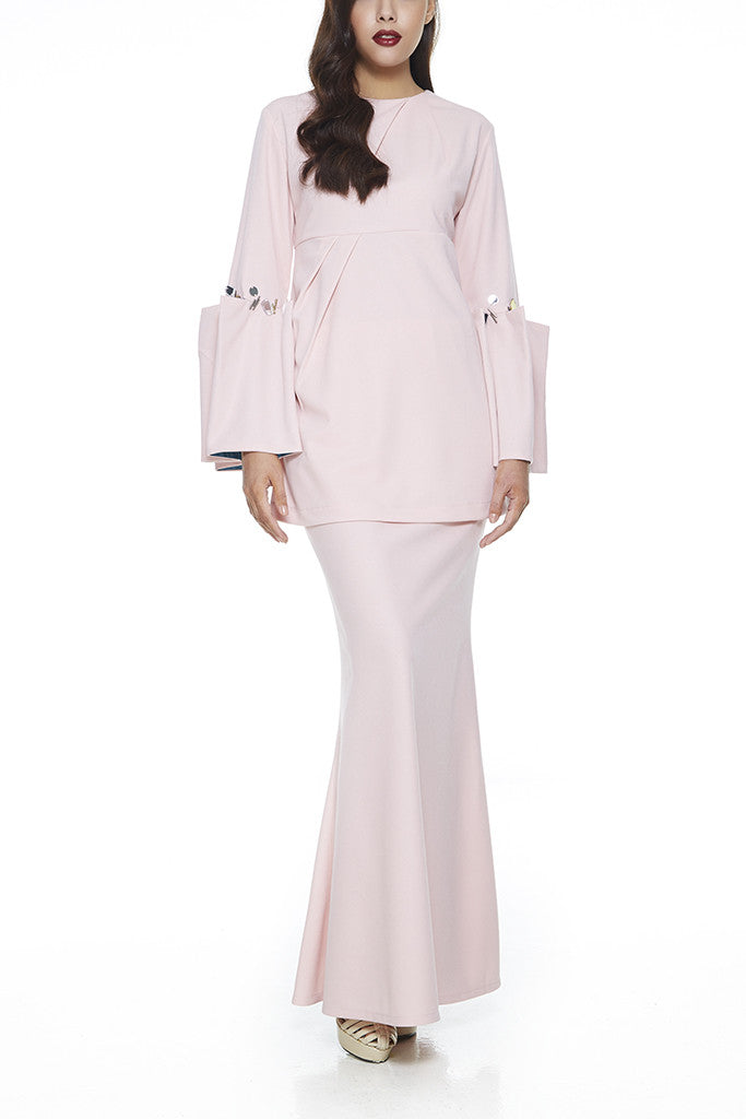 PINK KESUM : MODERN EMPIRE CUT WITH PLEATED BELL SLEEVES BAJU KURUNG (PINK)