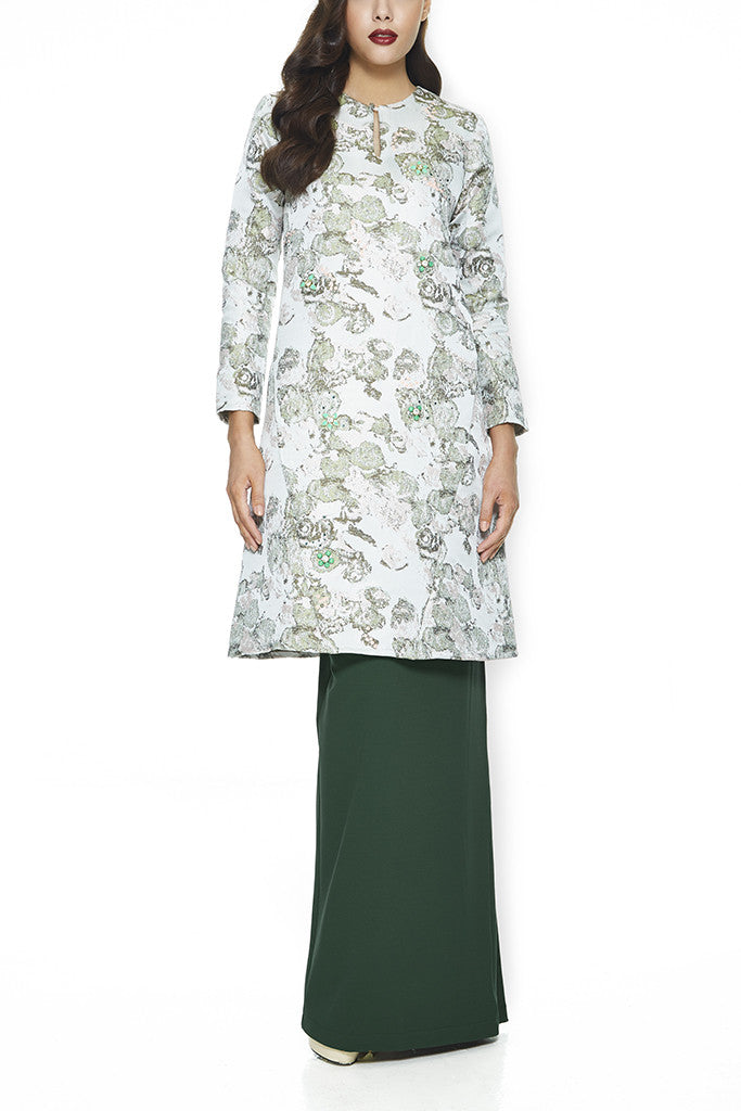 GREEN THYME - JACQUARD A-LINE BAJU KURUNG JOHOR WITH INTRICATE BEADINGS AND FRONT PANEL WITH POCKETS (GREEN)