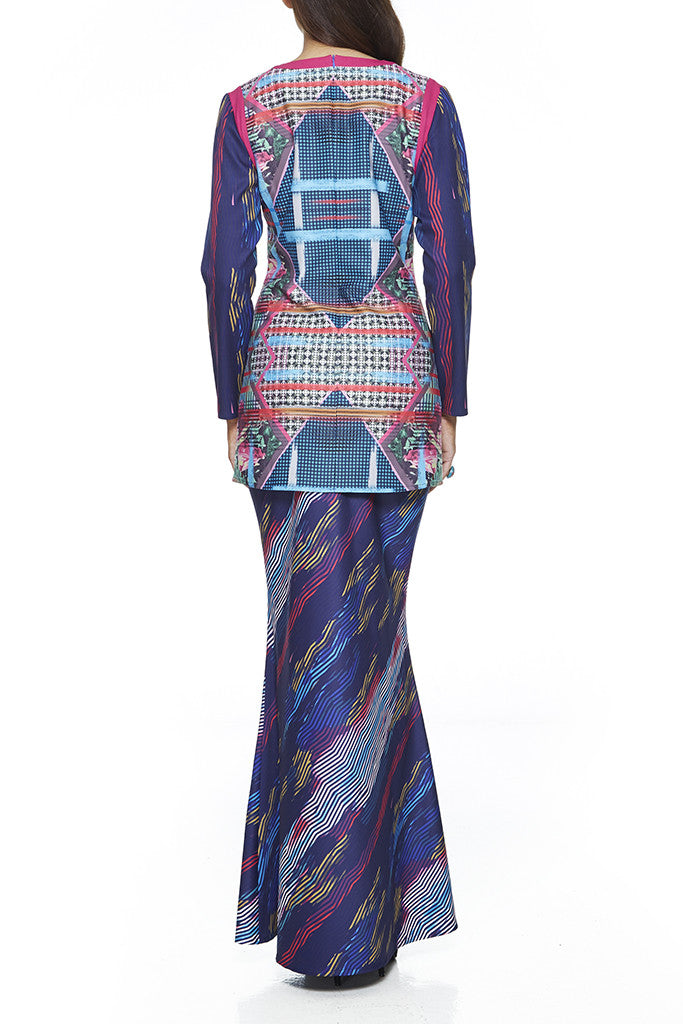 LAVENDER - MODERN KURUNG WITH COLOUR CONTRASTING NECKLINE ON SHOULDER  FEATURES 2 EXCLUSIVE PRINTS PANELLINGS ON THE TOP (MULTICOLOUR)