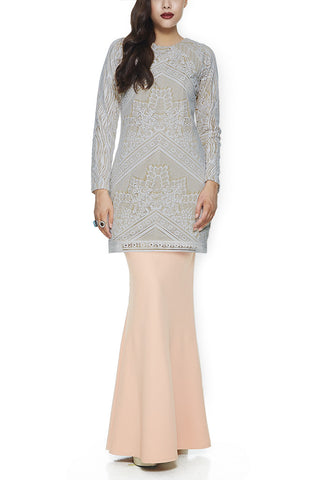 GREY JINTAN - MODERN BAJU KURUNG WITH 3 VIBRANT EMBROIDERED LACE PANELLINGS (GREY)