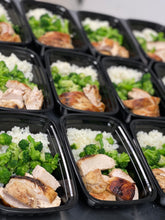 Load image into Gallery viewer, Seared Chicken, Jasmine Rice, Broccoli (keto available)