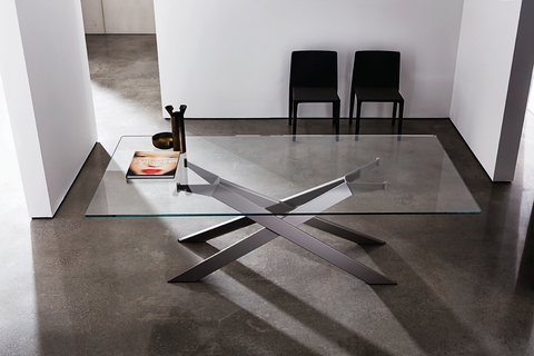 Designer dining tables from chattels