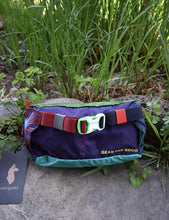 Load image into Gallery viewer, Cotopaxi Fannypack - Charcoal/Green