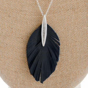 Leather pendant necklace