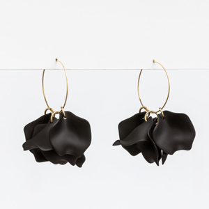 STELLA & GEMMA Earrings Petal Scatter Black