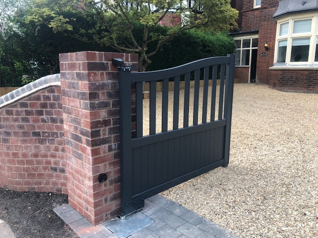 Elite Aluminium Swan Open Gates
