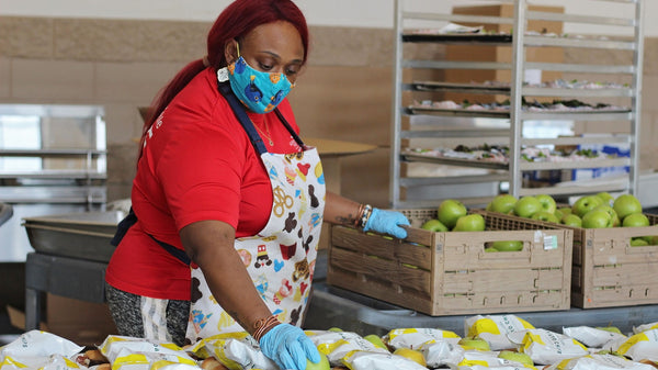 Support food relief | 5 Ways to Uplift Essential Workers and Women with One Billion Rising