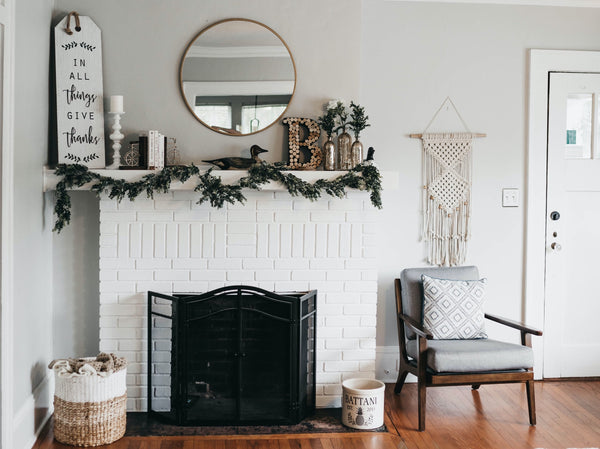 Go for a festive living room | 6 Holiday Decor Ideas for a Cozy & Sustainable Home