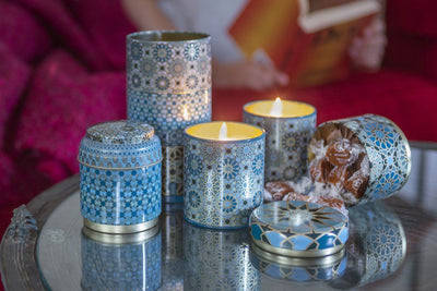 These Mosaic gifts sets offer the beauty of light and the yumminess of gourmet treats. Soy blend fair trade candles that are hanpoured in the United States by women artisans.