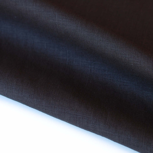 1/2M Polished Linen in Black