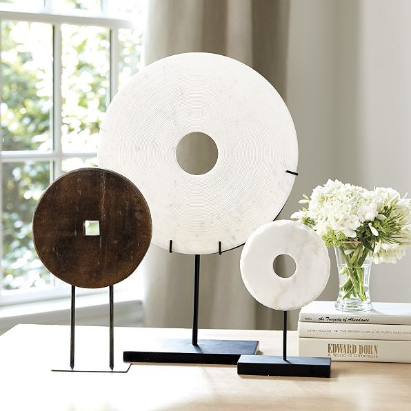 decorative disc on stand