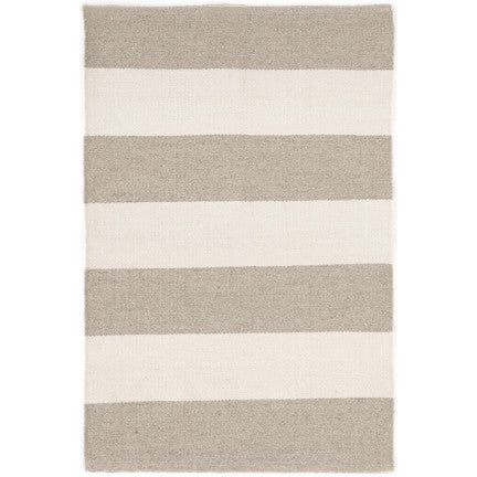 falls village stripe indoor/outdoor rug (cement)