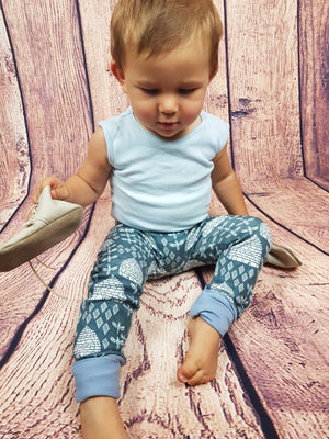 Grow with me pants- Busy Bees