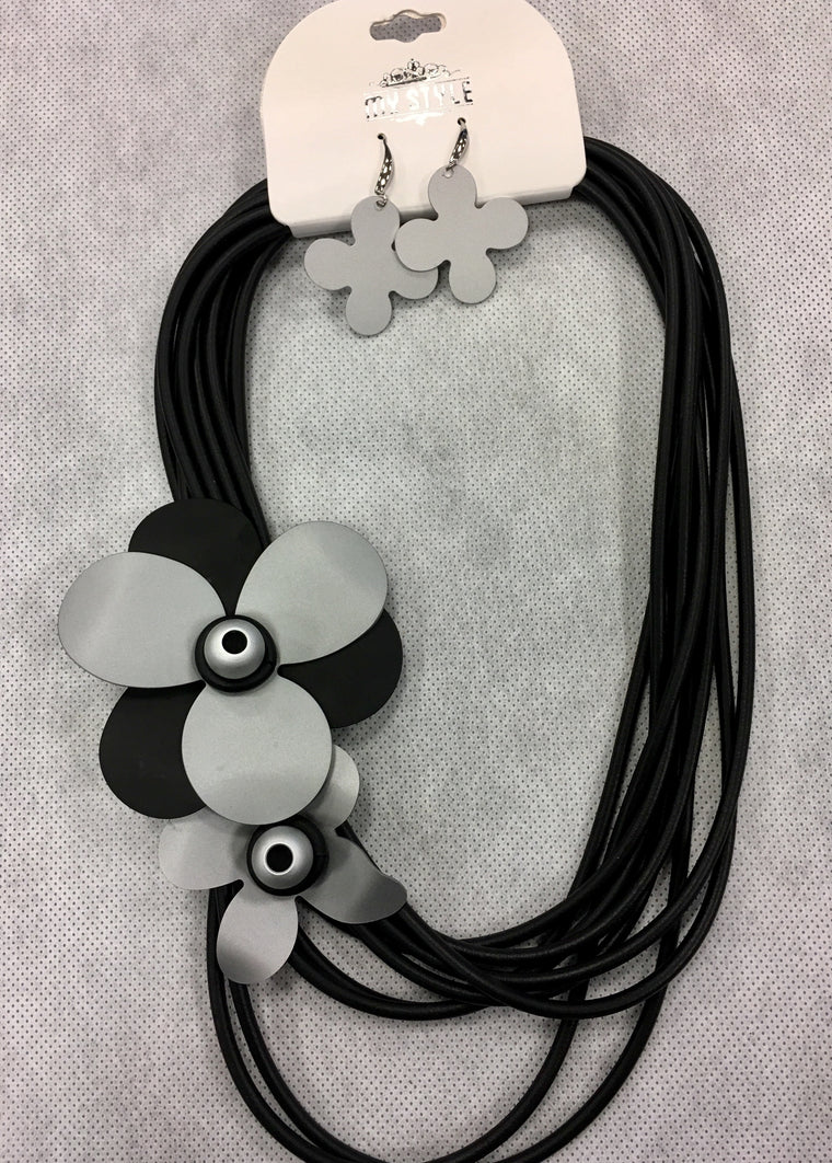 Grey Flower Rope Necklace