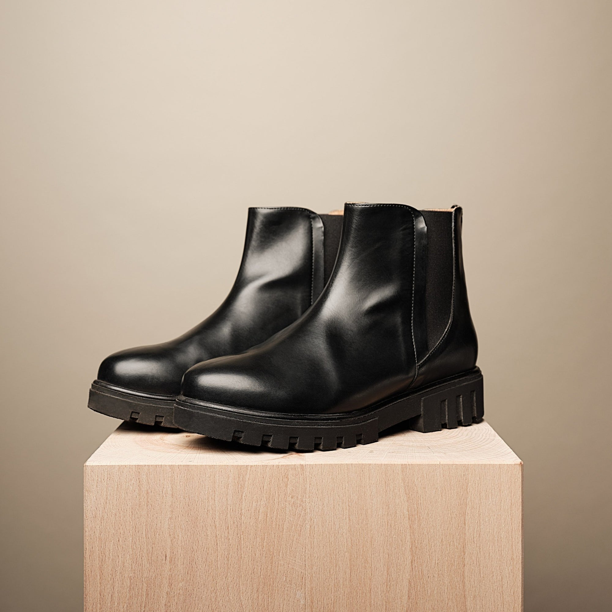 KAI VEGAN CHELSEA BOOT