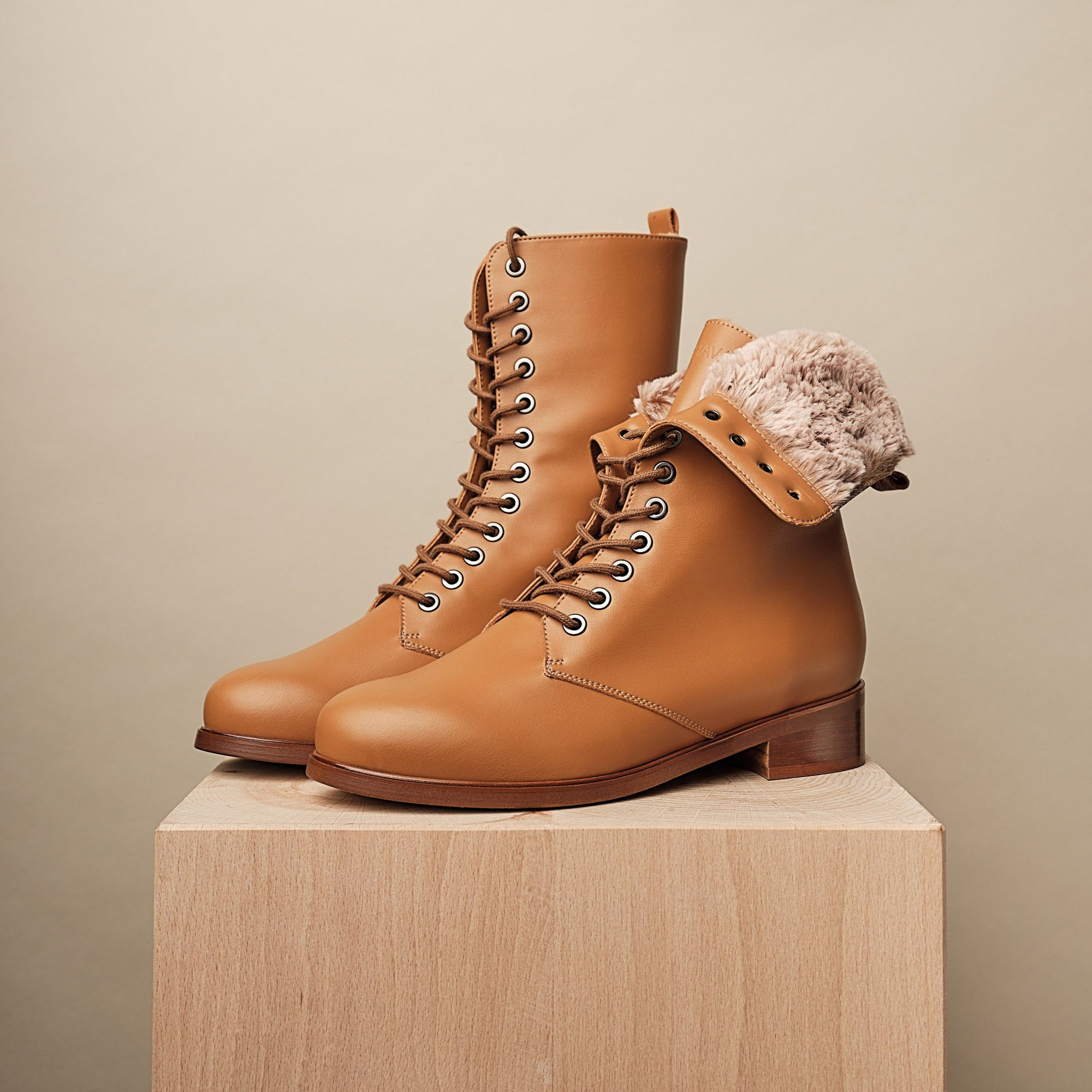 GINSBURG WINTER LACE-UP BOOT