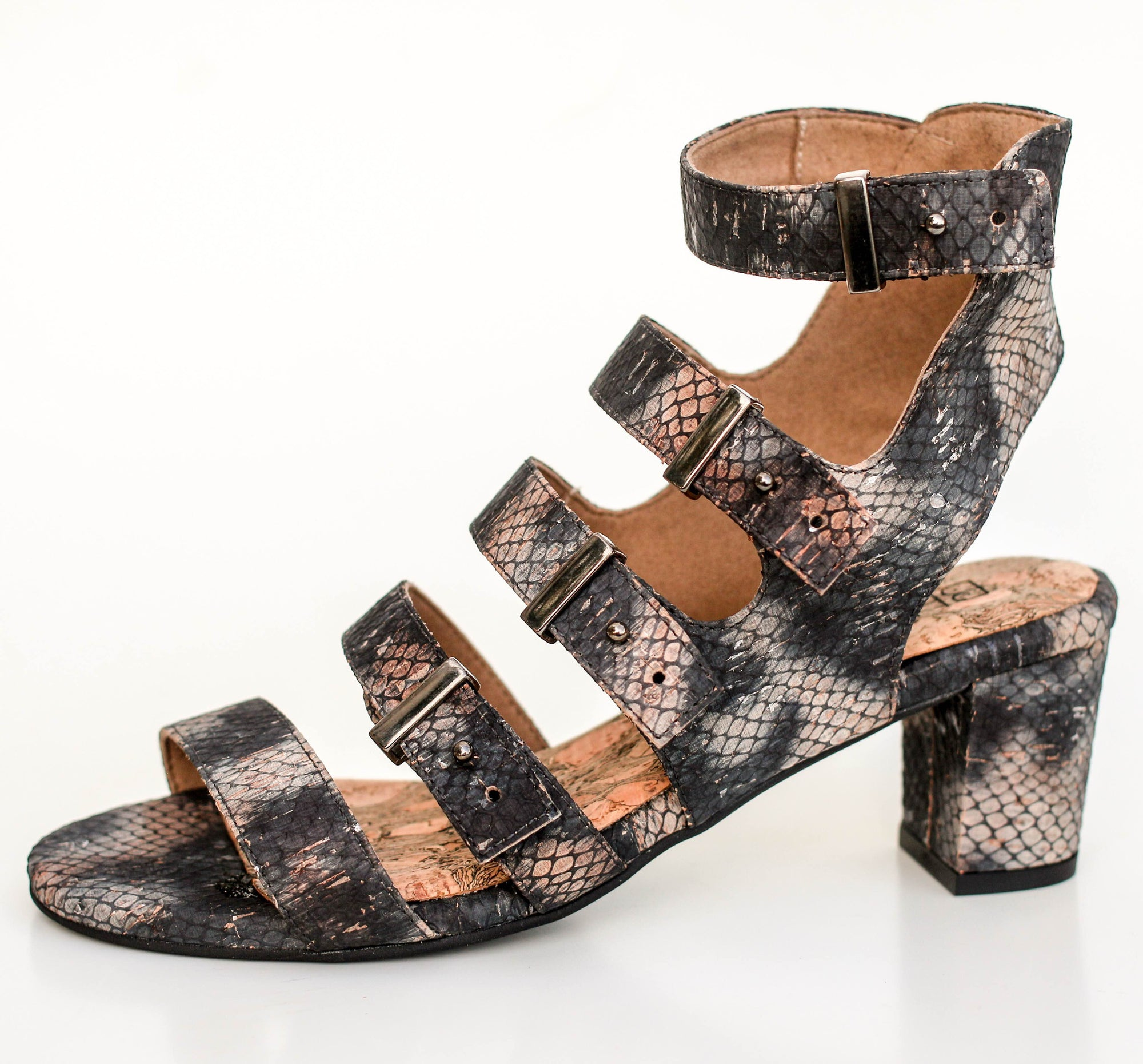 OASIS STRAPPY SANDAL