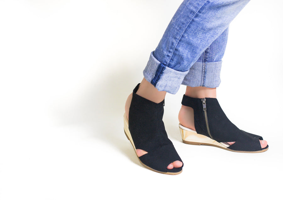 LANA Wedge Sandal
