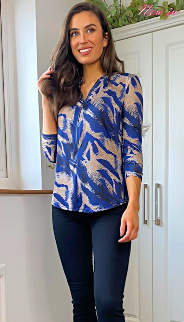 5-6321 - (SIZE 8/10 ONLY) - Bella Zip Front Blue Pattern Top