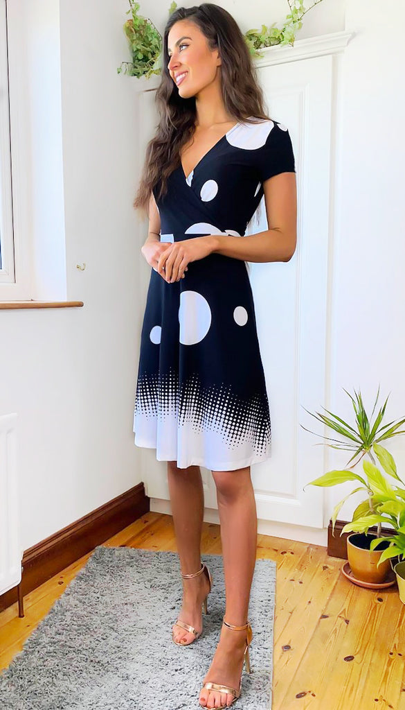 6349 - (SIZES 16,18,20) - Simone Mono Dotty Flare Dress