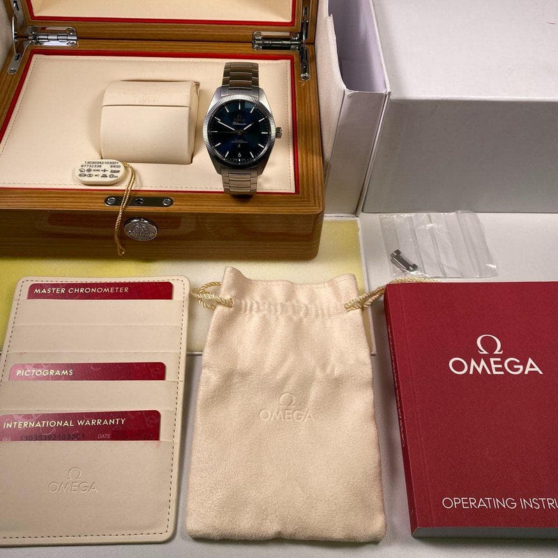 Omega Constellation Globemaster 130.30.39.21.03.001