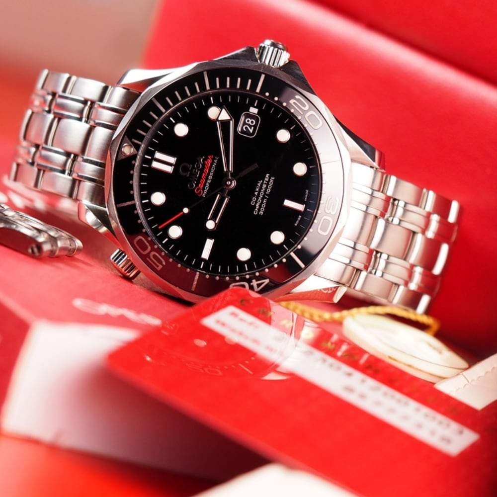 Omega Seamaster Diver 300 - Swiss Watch Trader