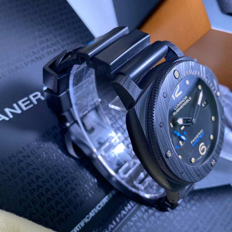 Panerai Submersible Carbotech PAM00616 - Swiss Watch Trader