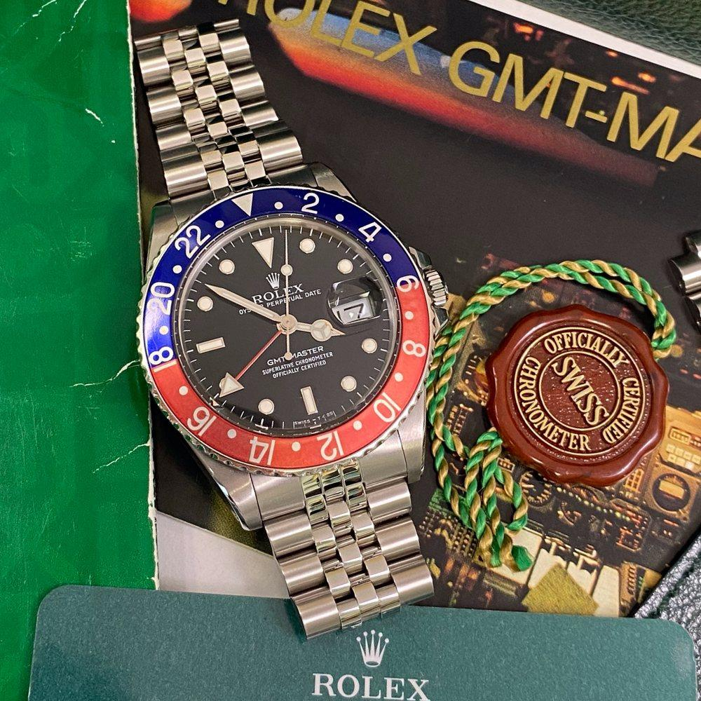 Rolex GMT Master 16750 Pepsi Bezel (1988 - R Serial) - Swiss Watch Trader