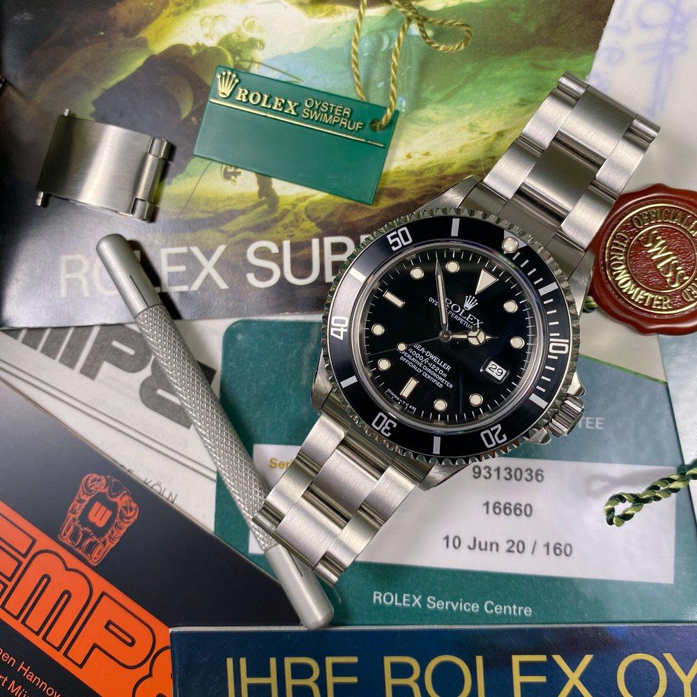 Rolex Sea Dweller 16660 •SERVICED• (1989) - Swiss Watch Trader